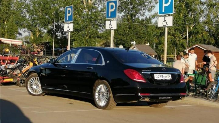 «Я паркуюсь как»: псевдоинвалиды на представительских авто с блатными номерами и яжматери