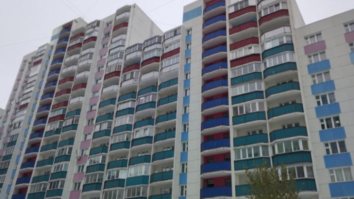 На Горском жилмассиве женщина выпала из окна многоэтажки