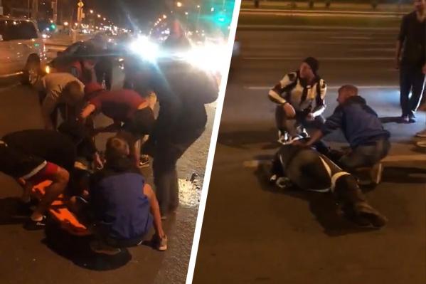 В больницу забрали и мотоциклиста, и пешехода