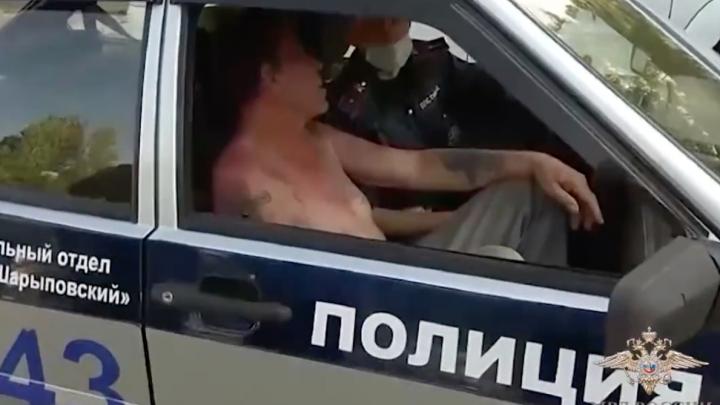Пьяный водитель без прав сбил ребенка и скрылся. Автомобиль загорелся через километр