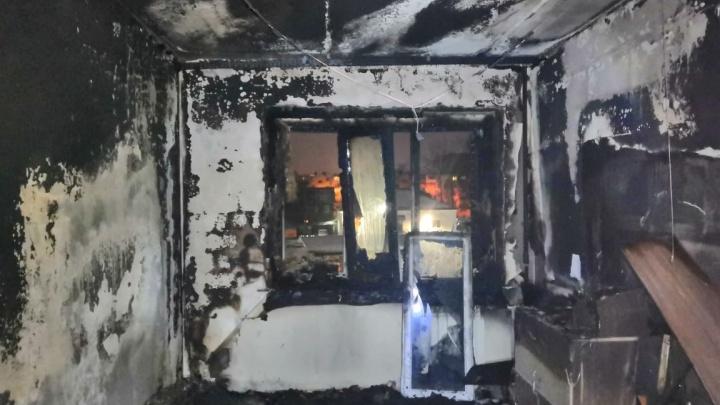 При пожаре в 14-этажном доме в Архангельске пострадала женщина