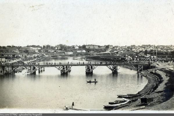 Так Николаевский (он же Деревянный) мост выглядел в 1932 году