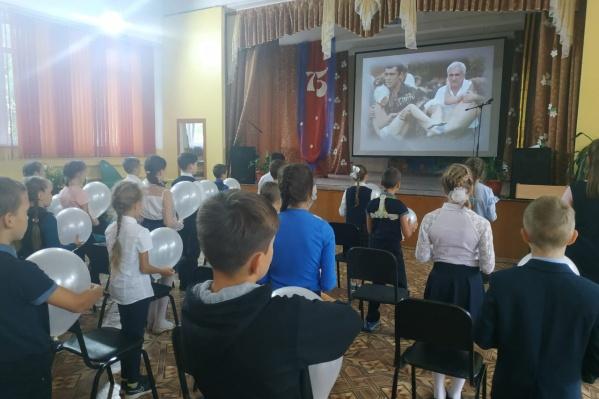 Младшеклассникам демонстрируют кадры трагедии в Беслане