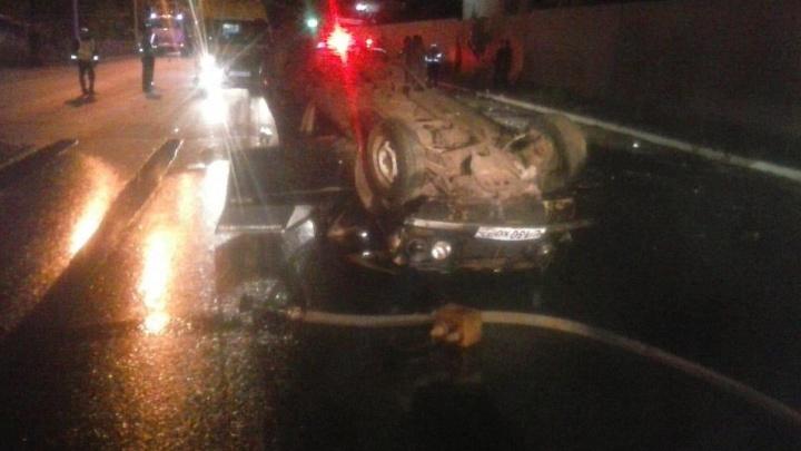 На Красноярском тракте пьяный молодой водитель перевернул машину с тремя пассажирами