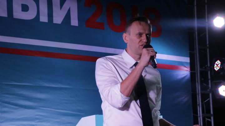 «Неизвестные добрые друзья»: Навальный поблагодарил медслужбу омского аэропорта и бригаду скорой