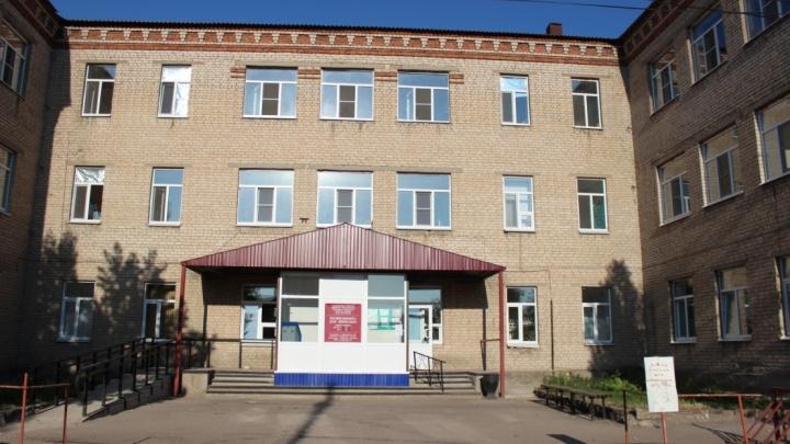 «Медики слегли с коронавирусом, в поликлинике очереди»: в Урюпинске отменили выезды врачей к больным