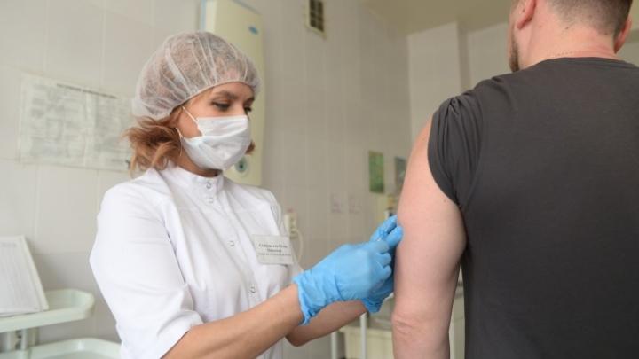 Где можно бесплатно поставить прививку от гриппа и какие есть противопоказания: 9 полезных карточек