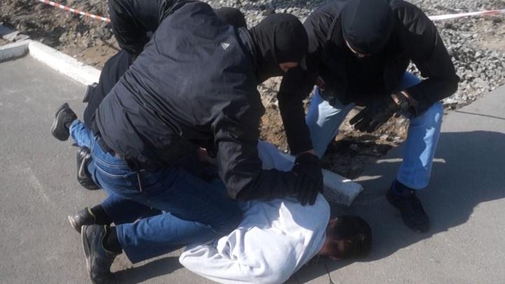 Сотрудники ФСБ задержали омича с партией наркотиков из США. Ему дали пять лет колонии