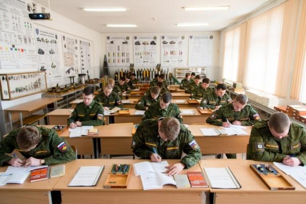 Учебные военные сборы студентов ЮУрГУ пройдут с 15 июня по 18 июля