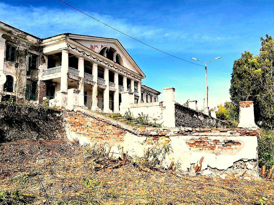 Дворец культуры в Салаире до ремонта