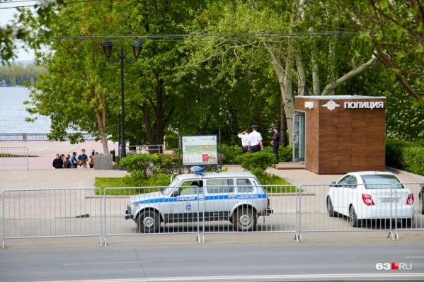 В МП «Самарская набережная» утверждают, что все ограждения на входах убрали
