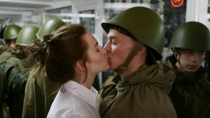 Парад Победы в Челябинске отменили. А что с обещанным выходным?