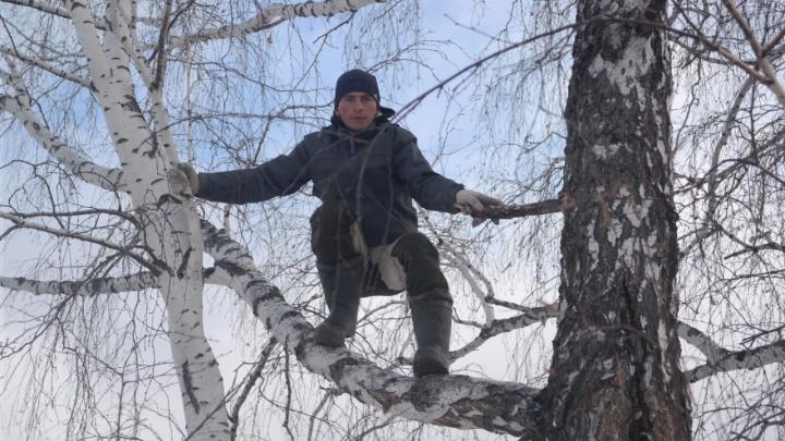 Омского тиктокера, пожаловавшегося на плохой интернет в деревне, пригласили на беседу с губернатором