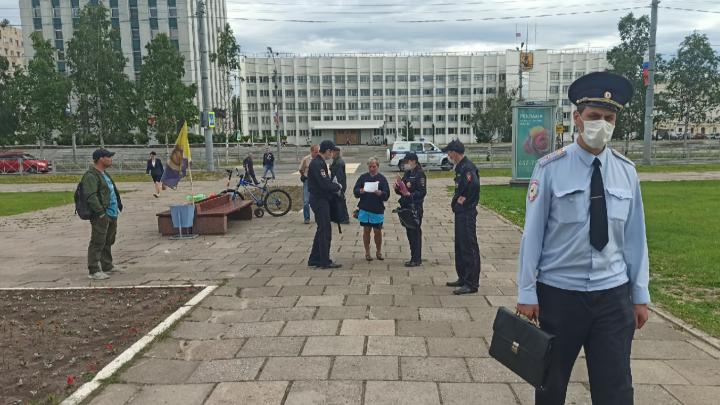 На участников бессрочки в Архангельске составили протоколы за нарушение самоизоляции