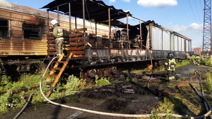 На железнодорожной станции в Нижнем Тагиле сгорели вагоны поезда