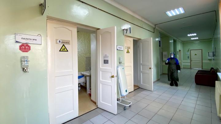 25 смертей пациентов с коронавирусом зарегистрировали за неделю в Тюменской области