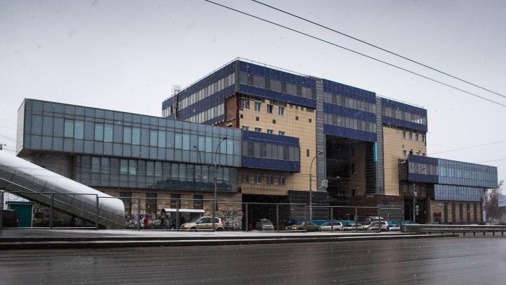 Автовокзал объяснил закрытие здания на Красном проспекте