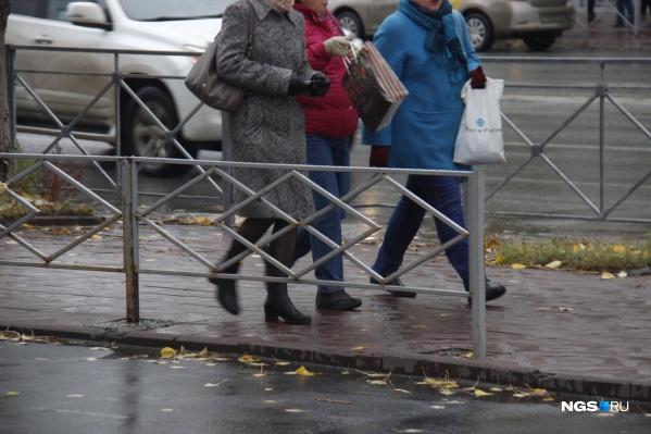 Заборы в Новосибирске можно встретить в самых неожиданных местах