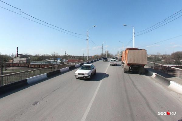 Власти пообещали, что мост закончат до конца 2021 года