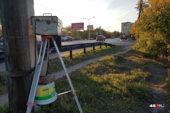 Дорожные «микроволновки» и их операторы в Зауралье частенько подвергаются нападениям со стороны водителей и пассажиров автомобилей