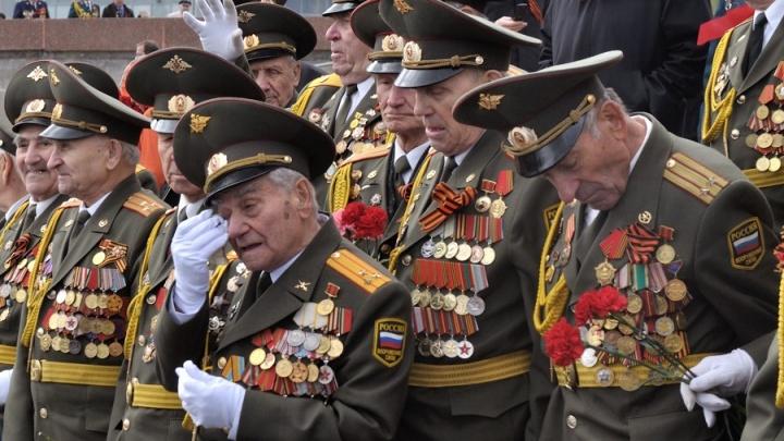 «Про проведение парада мы ещё посмотрим»: Куйвашев — об участии ветеранов в праздничных мероприятиях