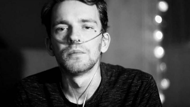 «Я живу как в противогазе, который всё хуже работает»: больной муковисцидозом о жизни, смерти и чиновниках