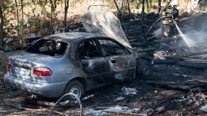 В Волгограде и Волжском за ночь сожгли пять легковушек