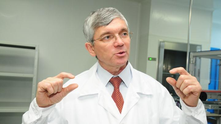 «Клинические испытания займут год». Депутат Александр Петров рассказал об уральской вакцине от COVID