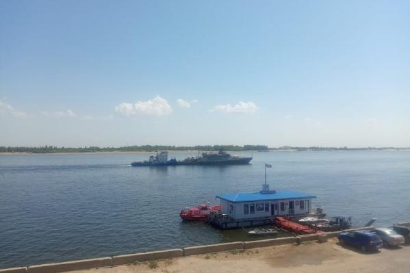 Судно ведут в Черное море