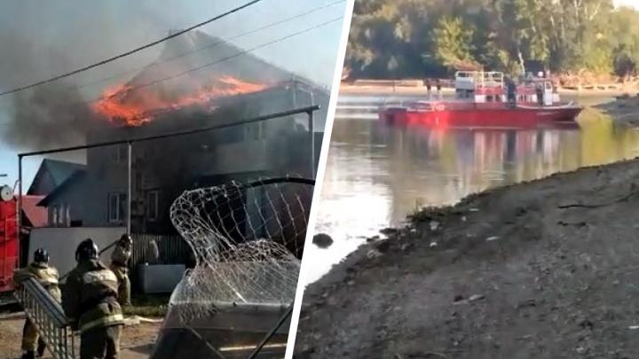В Затоне вспыхнул частный дом — чтобы потушить огонь, пожарные пригнали катер