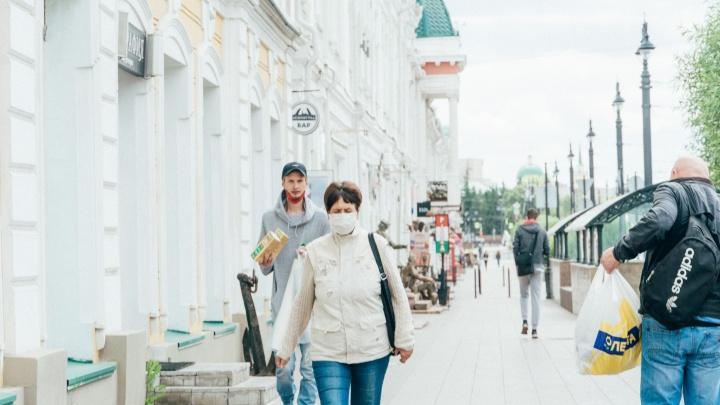 Роспотребнадзор предложил продлить масочный режим в Омске до конца сентября