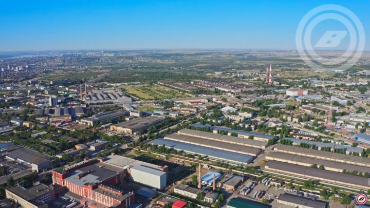 «Что ни съемка, то токсичный шлейф на полгорода»: как выглядит центр Волгограда с высоты