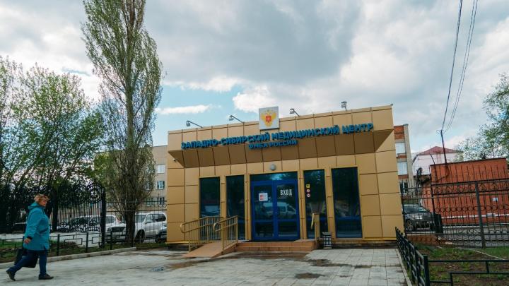 Медиков из инфекционного госпиталя на месяц поселят в гостинице «Иртыш»