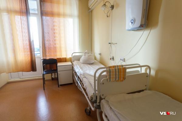 Сначала Владимир думал, что у него обычная простуда, но в итоге оказался в инфекционной больнице с COVID-19