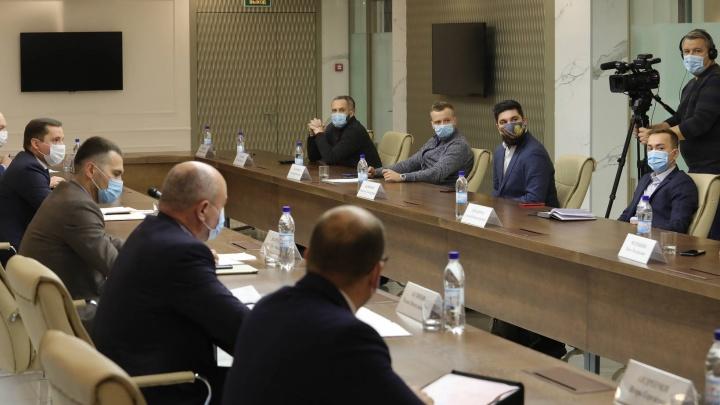 После эфира 29.RU Цыбульский заявил, что об «антиковидных» ограничениях будут сообщать заранее