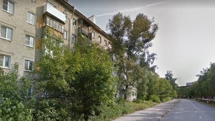 10-летняя девочка упала с балкона в Дзержинске