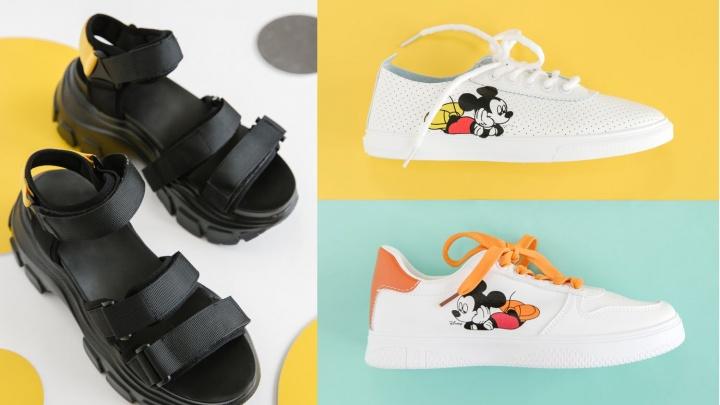 Лето за полцены: модные сандалии на массивной подошве и кеды с Микки Маусом продают со скидкой 50%