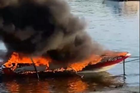«Боялись, что взорвётся»: в Тольятти сгорел катер