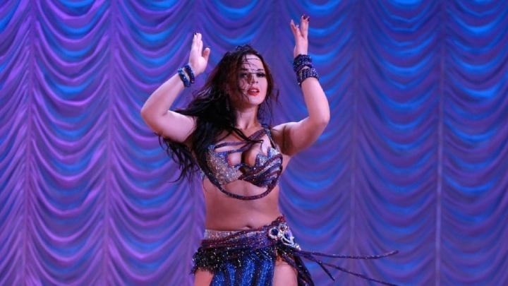«Ад в раю»: омичка уехала в Индию исполнять танец живота и застряла там на три месяца