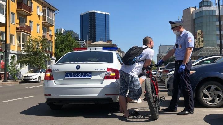 Велосипедиста оштрафовали на 1,5 тысячи за езду в пьяном виде