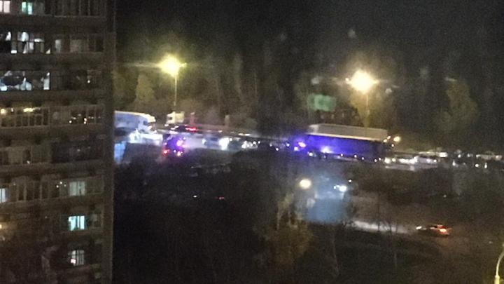 Объездная в Екатеринбурге встала в пробку из-за ДТП