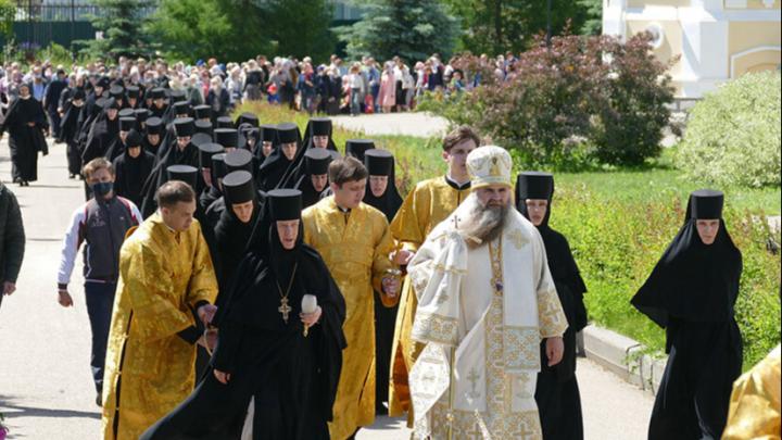Как в Дивеевском монастыре отметили праздник Всех святых. Спойлер — небезопасно
