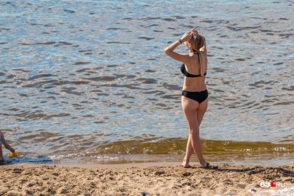 Самарские красотки в этом году будут еще чаще ходить на местные пляжи: альтернативы в виде заграницы-то нет