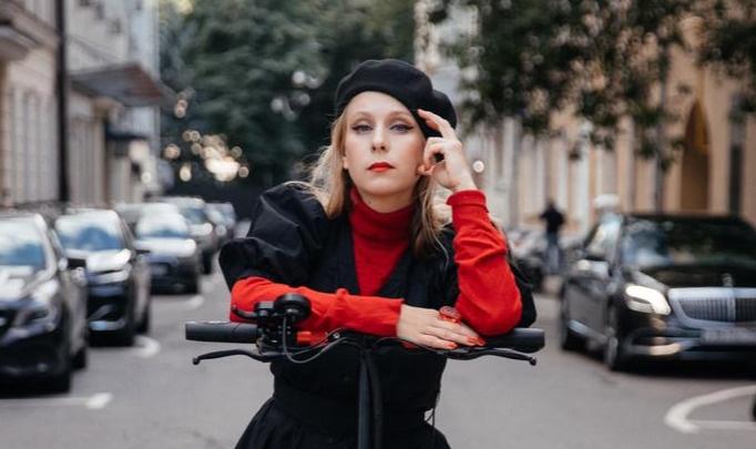 «На улице неожиданно спрашивают, где Гоша»: актриса из «СашиТани» — о роли, Башкирии и поклонниках