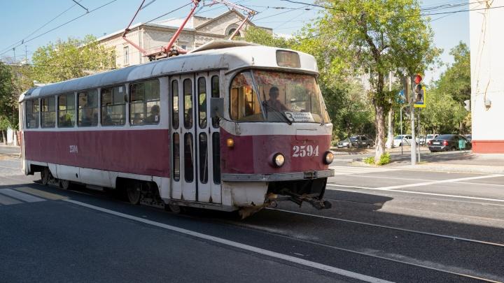 «Не исключение, а уже правило»: на отремонтированной дороге Волгограда нарисовали беспросветную сплошную