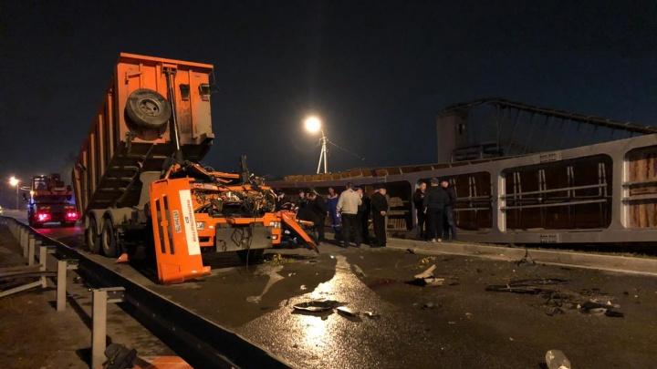 Что будет с мостом, который снес водитель КАМАЗа на Челябинском тракте
