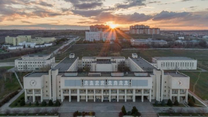 ВолГУ распустил студентов по домам из-за коронавируса