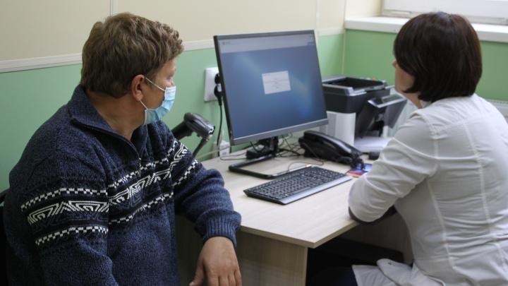 Руководители двух крупных челябинских ТРК закупили технику для больницы № 8