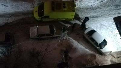 Новосибирец погиб после падения из окна 9-го этажа