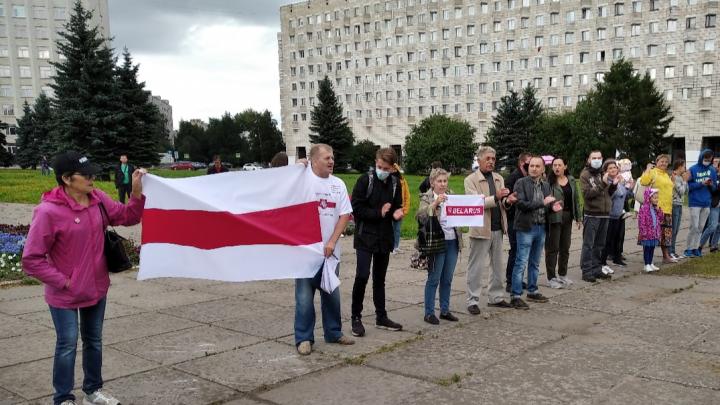 Архангельского активиста оштрафовали за акцию в поддержку протестующих в Хабаровске и Белоруссии